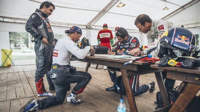 Dakar16-stage4-loeb-al-attiyah-check640